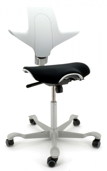Drehstuhl Capisco Puls 8020 - hellgrau / silber, inkl. Sitzflächenmatte - HAG