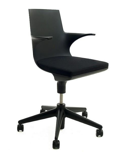 Drehstuhl Spoon Chair von kartell in schwarz